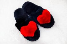 Арт 421 - Тапочки с красным сердечком